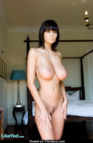 Fascinating Babe with Fascinating Nude Real Big Sized Titties (Hd Xxx Image)