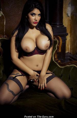 Leah Jaye - naked brunette with big boobies image
