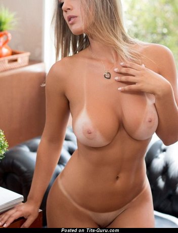Image. Nude blonde picture