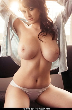 Marvelous Glamour Babe with Marvelous Naked Natural Full Tots & Red Nipples (Porn Pix)