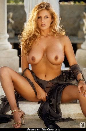 Pleasing Naked Blonde (Xxx Picture)