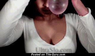 Изображение. Gif офигенной обнажённой девахи с большими дойками
