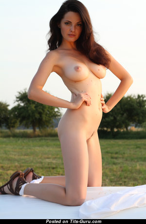 Lu Lu - Amazing Glamour Brunette Babe with Amazing Nude Real Boobies (4k Sexual Pic)