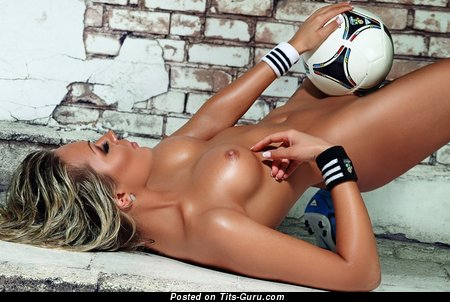 Ilona Zozulya - nude beautiful woman with medium boobs picture