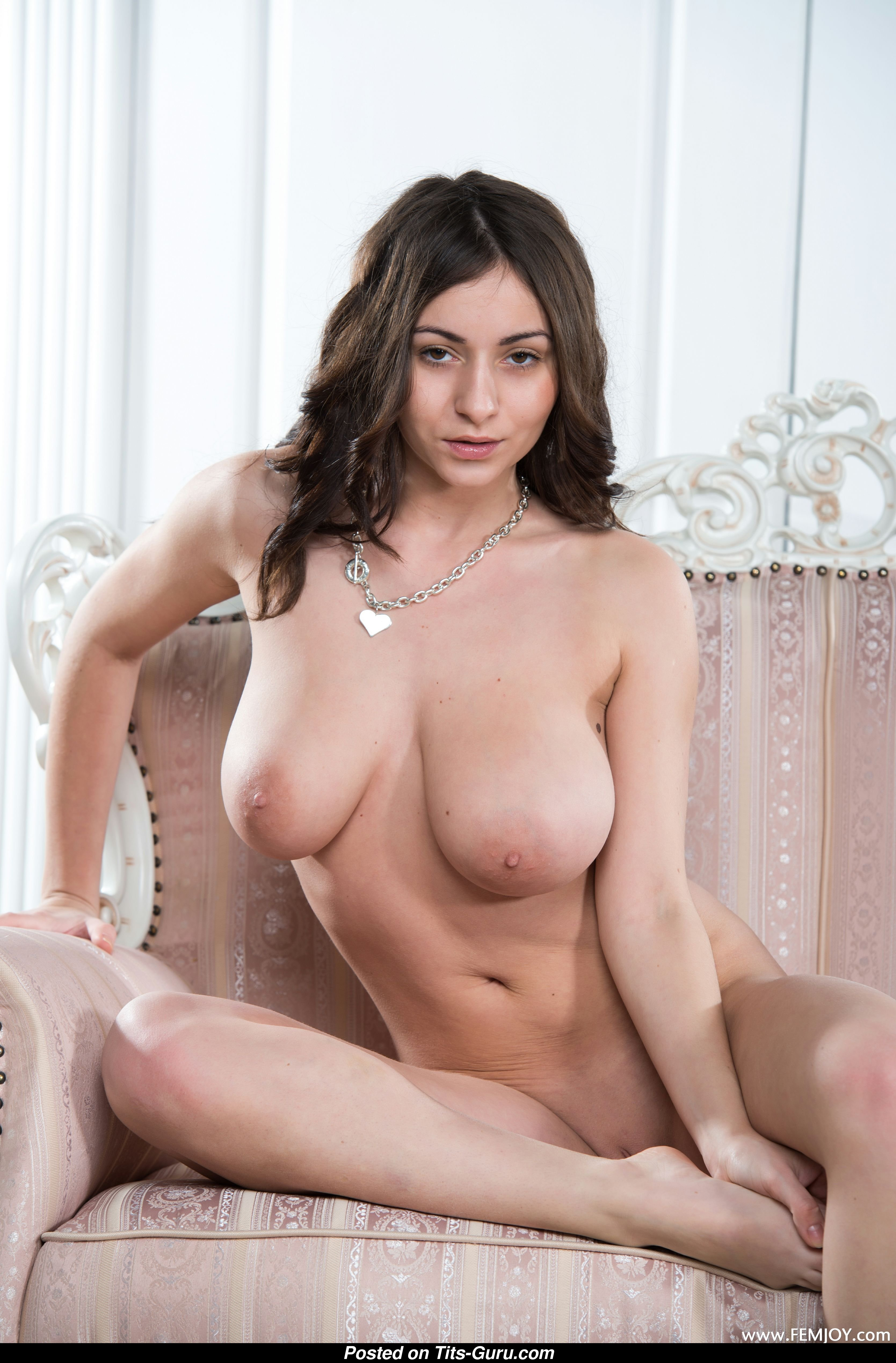Misha - Miss With Bare Real Sizable Tots 18 Foto 0511 -4652