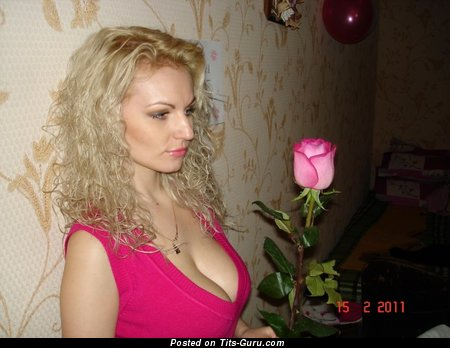 Kat - Charming Doxy with Charming Bare Regular Melons (Sexual Foto)
