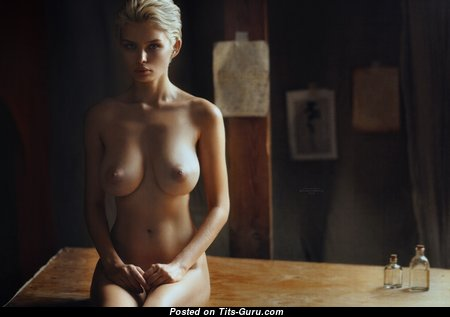 Dazzling Blonde with Cute Naked Natural D Size Boobie & Red Nipples (Hd Sexual Image)