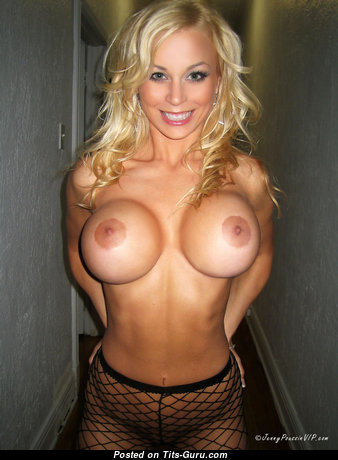 Exquisite Glamour Blonde with Exquisite Bald Silicone Chest in Stockings (Hd Sexual Pix)