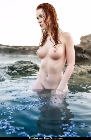 Elegant Unclothed Babe (Sexual Image)