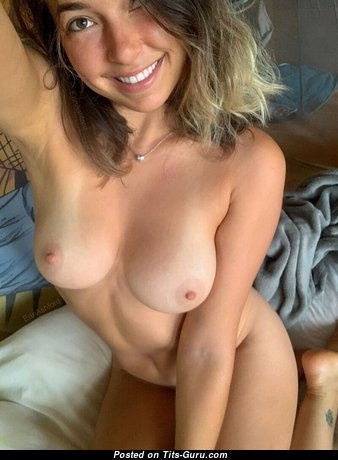 The Nicest Topless Babe with Weird Nipples (Xxx Pic)