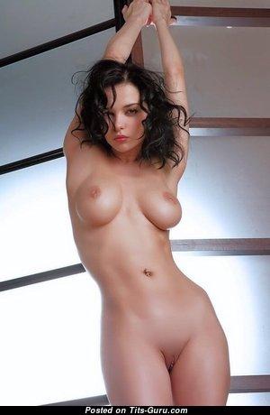 Eugenia Diordiychuk Aka Jenya D Aka Jenya K - Delightful Naked Brunette (Porn Picture)