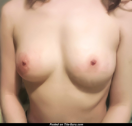 Elin - Pleasing Girlfriend with Pleasing Open Natural Boobys & Big Nipples (Private Porn Photoshoot)