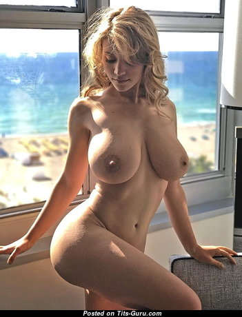 Appealing Babe with Appealing Exposed Real Boobys & Sexy Legs (Xxx Photoshoot)