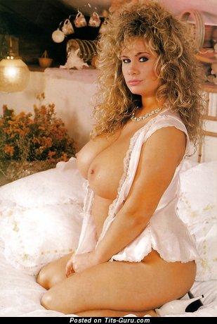 Nude nice girl image