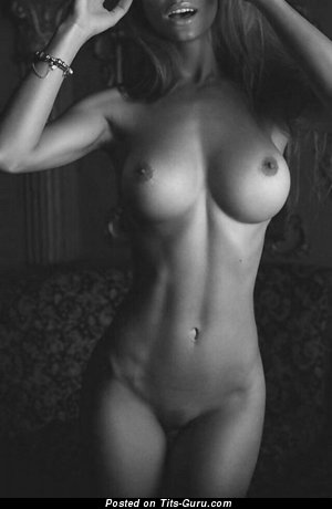 Image. Nude hot lady with medium boob pic