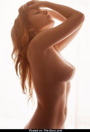 Изображение. Изображение умопомрачительной голой женщины