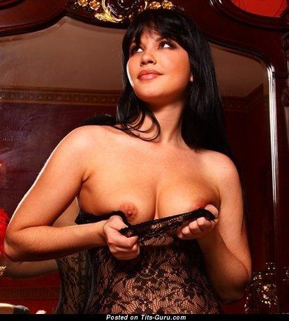Stunning Lady with Stunning Bald Natural C Size Titties (Xxx Photoshoot)
