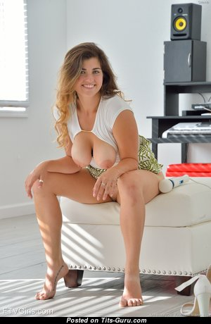 Gianna - Graceful Girl with Graceful Defenseless Real Boobys is Undressing (Hd 18+ Image)