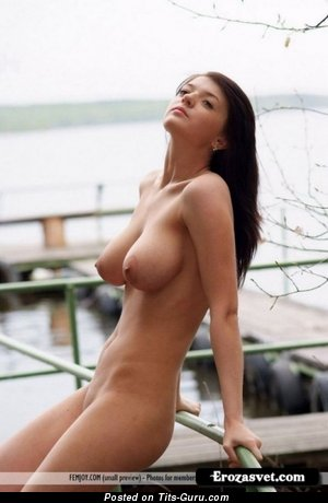 Image. Naked beautiful woman picture
