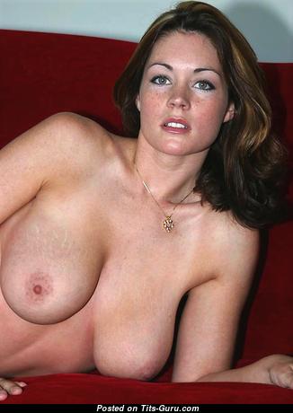 Wonderful Topless Brunette (Sexual Pix)