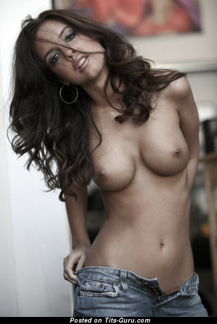Image. Nude awesome lady with medium tittes picture