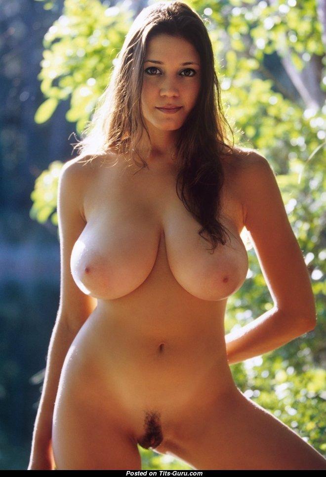 Pretty brunette natural tits