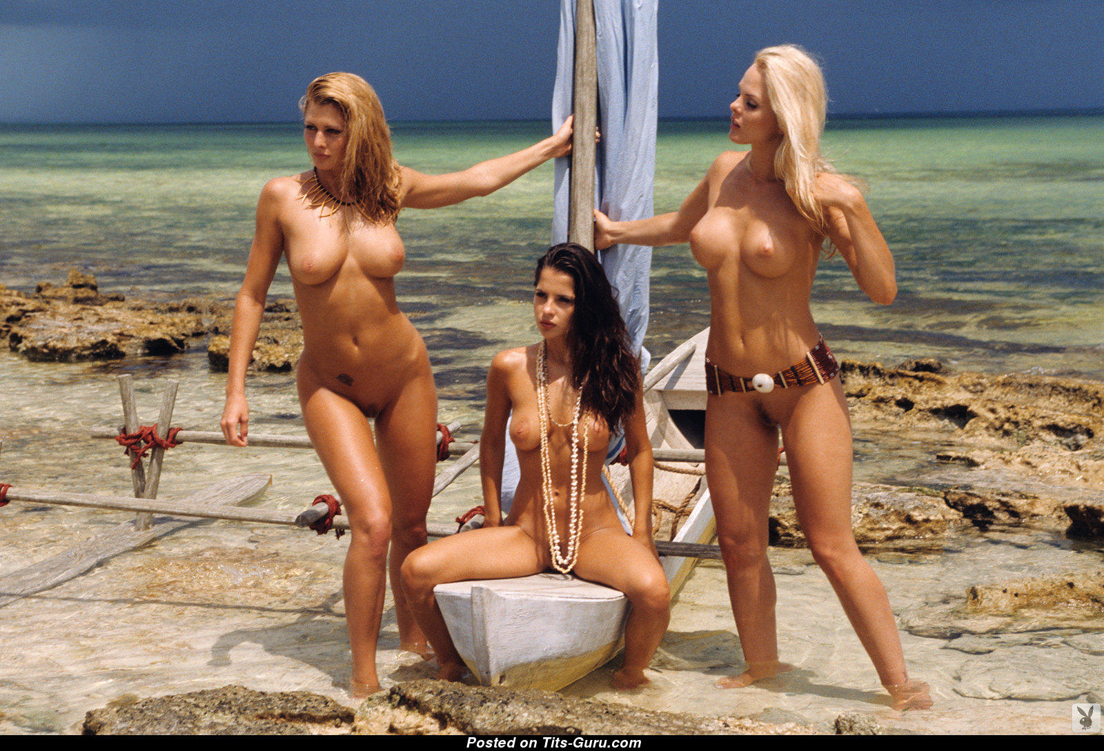 Пляже порно на актриса kelly