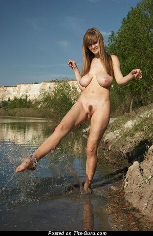 Изображение. Svanhild - фото горячей голой женщины с большими натуральными дойками