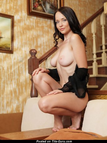 Image. Naked wonderful woman with natural boob pic