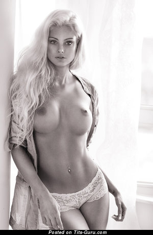 Image. Nude amazing lady with medium tittes picture