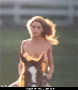 Betsy Russell - Graceful Topless Blonde Babe Jumping Grand Exposed Natural Firm Hooters & Large Nipples (Vintage Sex Gif)