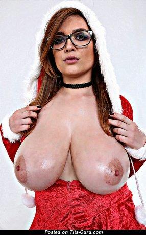 Tessa Fowler: гламурная и топлесс рыжая заучка, порнозвезда и красотка (США) с супер оголённой натуральной самой большой грудью и длинными ореолами (косплей hd интимное фото)
