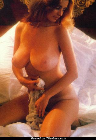 Изображение. Janet Lupo - изображение офигенной обнажённой леди с большими натуральными дойками ретро