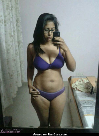 Wonderful Babe with Wonderful Bare Natural Jugs (on Public Selfie Hd Sex Pix)