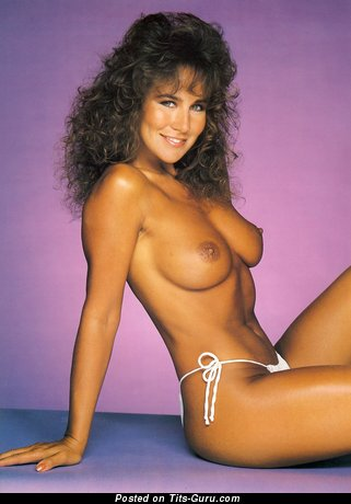 Linda Lusardi Nude Pics: 3 Pics of Hot Naked Boobs