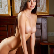 Arianna - awesome female with medium natural tittys image
