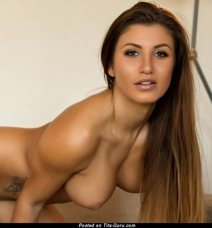 Dazzling Brunette with Dazzling Naked Soft Boobys (Sexual Pix)