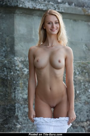 Carisha - Pleasing Topless Czech Blonde Babe & Actress with Pleasing Bare Real Tight Breasts on the Beach (Hd 18+ Picture)