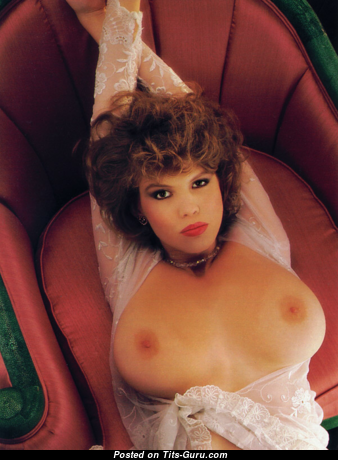 Donna Edmondson: топлесс рыжая Playboy (США) с умопомрачительными оголёнными натуральными титями (винтажное эротическое изображение)