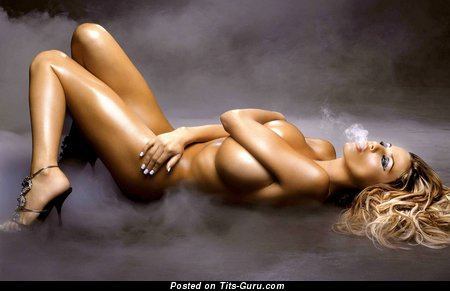 Handsome Naked Lassie is Smoking (Hd Sex Photoshoot)