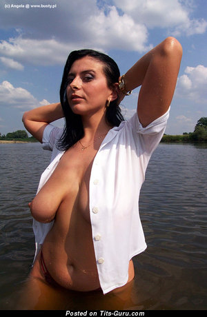 Image. Angela - nude brunette with medium natural tits picture