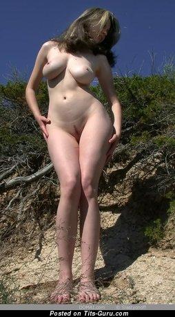 Image. Gigi - nude nice woman with big natural tittys photo