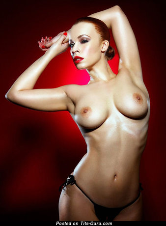 Annie Lennox: sexy nude amazing female with medium natural tits image