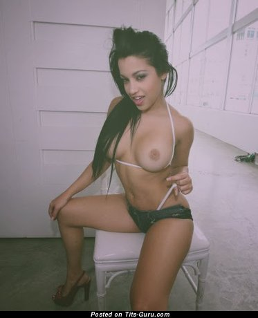 Image. Nude nice lady with medium tittys picture