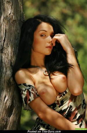 Splendid Brunette with Fine Defenseless H Size Boobs (Porn Pic)