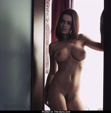 Изображение. Lidia Savoderova - фото обалденной чувихи топлесс с средними натуральными дойками