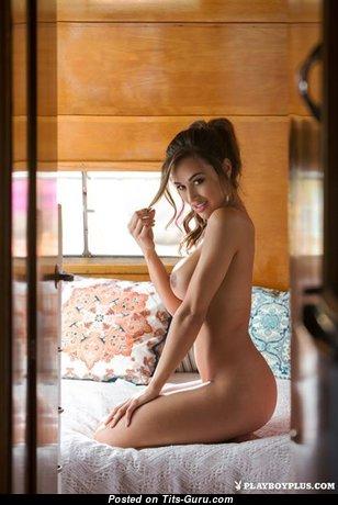 Wonderful Naked Babe (Sexual Image)
