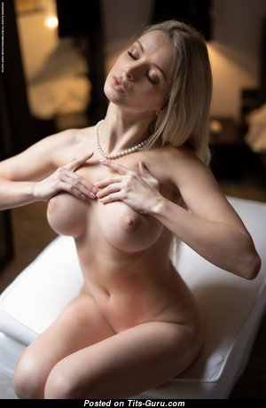 Gorgeous Girlfriend with Gorgeous Bald Tight Chest (Hd 18+ Picture)