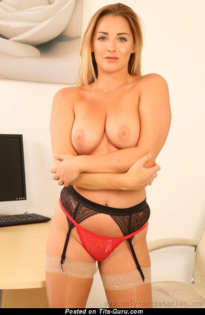 Daisy Watts - Pretty Topless British Blonde Babe with Pretty Exposed Natural Normal Jugs (Hd Xxx Pix)