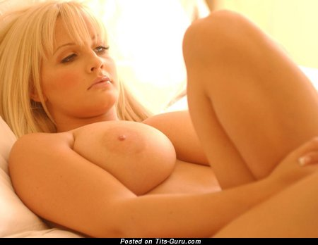 Image. Michelle Marsh - nude amazing female pic